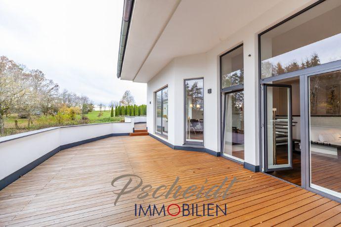 *****Edle, moderne Villa mit großem Grundstück und eigenem Wald in Furth*****