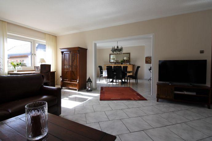 DAS Familienhaus für Gewerbetreibende mit Ladenlokal und/oder Bürofläche – Ideal auch für Investoren