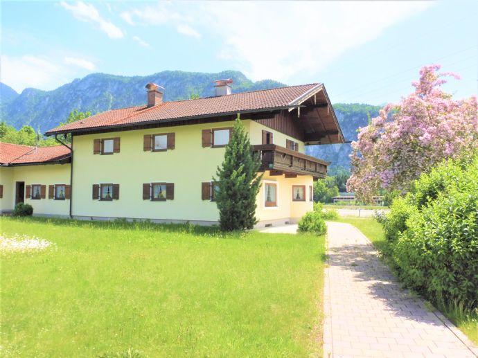 Hier wartet Ihr Traumhaus auf Sie - Wohnen in der ersten Reihe - Eine Wohlfühl-Oase oberhalb des Inn`s - Wohnen und Arbeiten unter einem Dach