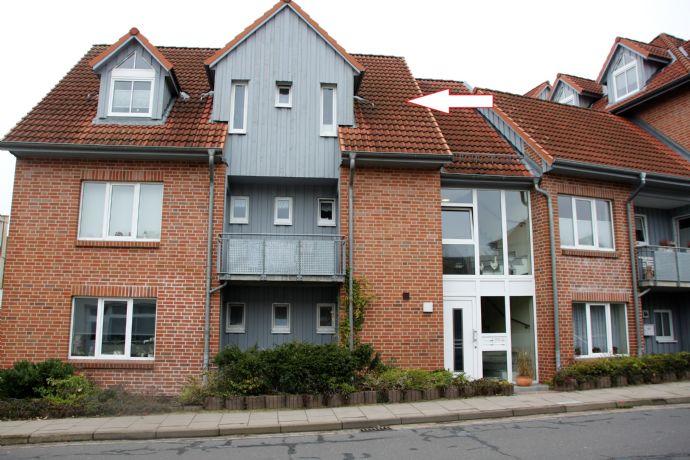 2,5-Zimmer-DG-Wohnung mit Balkon