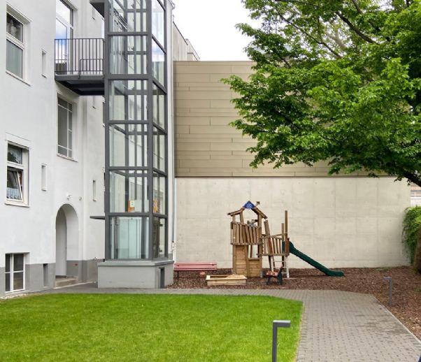 Erstbezug nach hochwertiger Sanierung, helle 4Zi, 105qm, neue EBK, kinderfreundlich, Charlottenburg, nahe Messe, ruhige Seitenstraße