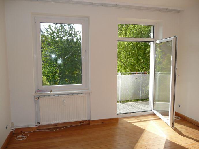 Gepflegte helle 2 Zimmerwohnung mit Balkon