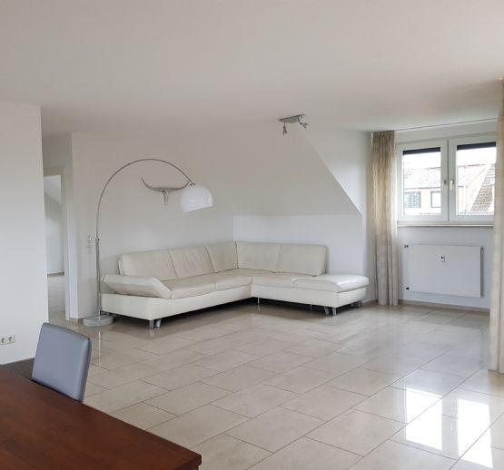 Helle 3-Zimmer-Wohnung mit Loggia