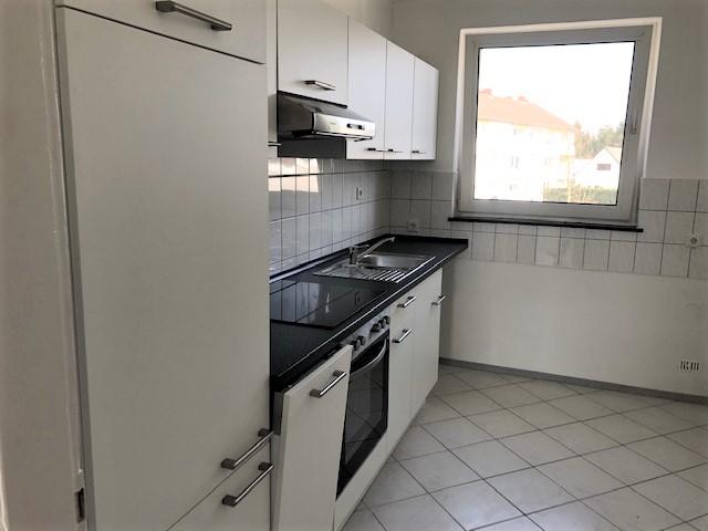 Helle 4-Zimmer-Wohnung mit Balkon und neuer Küche in Munster, Breloh