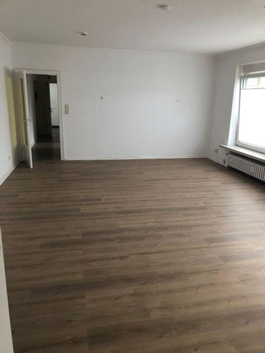 Große 2 Zimmer Wohnung