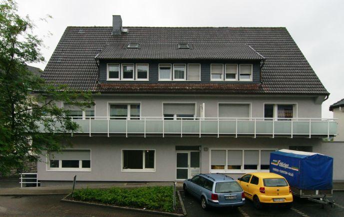 Schöne Wohnung in gepfl. Wohneinheit, 63 qm, 1. OG, 2 Zi, K/D/B, Balkon u. Keller, ab 01.05.20 zu vermieten
