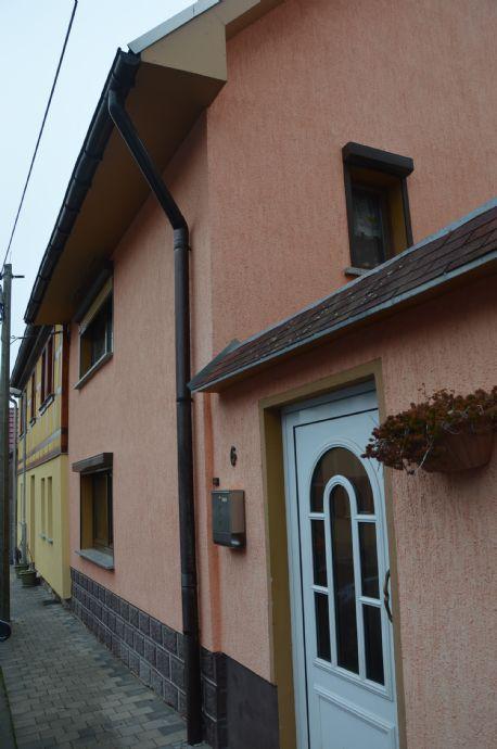 RESERVIERT Kleines EInfamilienhaus mit separatem Pachtgarten