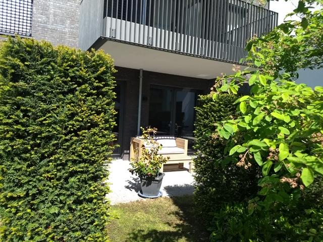 *2-Zimmer-Wohnung mit Terrasse am Düsseldorfer Fernsehturm*