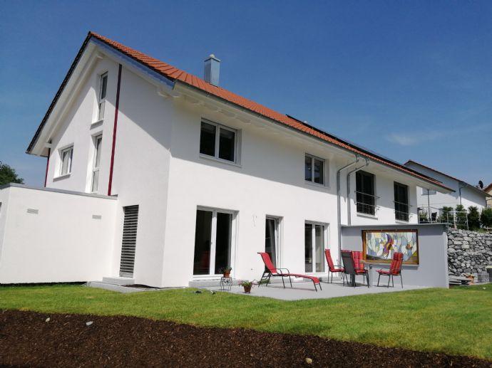 Neubau Doppelhaushälfte zum Verlieben! Hier in Owingen nächst zu Überlingen!
