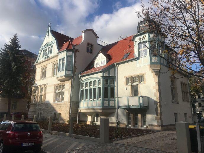 Traumhafte Neu Sanierte Villa mit 2-4 Raum Wohnungen ab ca. Mitte 2020 Erstbezug !!