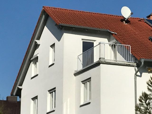 Neuwertige 2 ZKB-Dachterrassenwohnung mit traumhaftem Fernblick -wie im Allgäu- in Fuldatal-Simmershausen