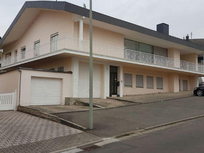 RESERVIERT 1 - 2 Familienhaus mit separatem Bauplatz