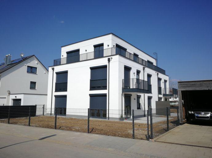 Erstbezug: Traumhafte 3-Zimmer-Penthouse-Wohnung mit Einbauküche und Balkon in Trudering/Gronsdorf
