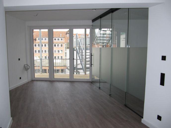 Neubau Erstbezug!!!! - Moderne 1,5 Zi.- Wohnung mit Balkon in Lübecks top Innenstadtlage