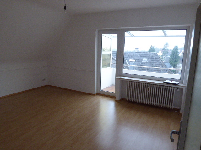 Modernisierte 3 Zimmer-Dachgeschoß-Wohnung mit Balkon in ruhiger Wohnlage von Katternberg. Sofort fr