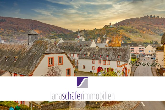 Bernkastel-Kues: Erstbezug nach Renovierung: 4-Zimmer-Wohnung mit schönem Ausblick in zentraler Lage