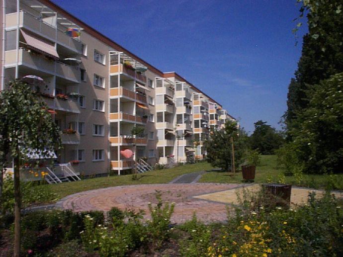 Bezugsfertig sanierte 3-Raum-Wohnung mit Balkon