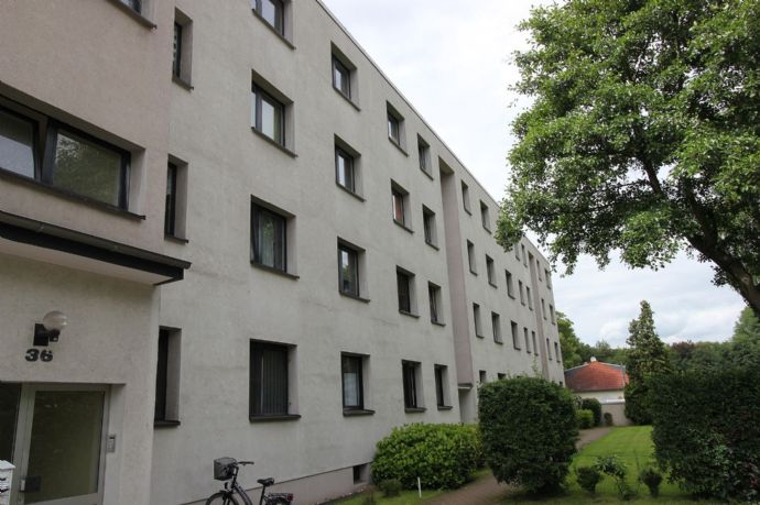 Duisburg - Neuenkamp, schöne 1 Zimmerwohnung im Dachgeschoß