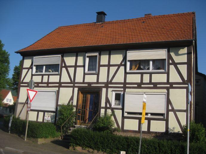 Interessantes Fachwerk-/Zweifamilienhaus mit Nebengebäude