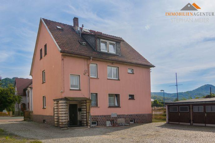 Solides Mehrfamilienhaus | 3 Wohneinheiten | 2 Garagen | 3 Stellplätze | Nebengebäude| Garten | Gute Infrastruktur + Verkehrsanbindung!