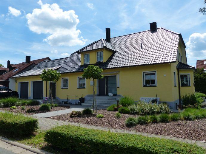 Exklusives und gehobenes Einfamilien/Zweifamilienhaus in bester Lage von Forchheim-Kersbach