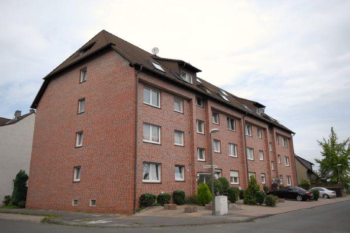 3,5-Raum-DG-Wohnung mit Balkon in ruhiger Lage