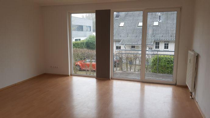 3-Zimmer-Wohnung in Villengegend mit Balkon in Lippe (Kreis)