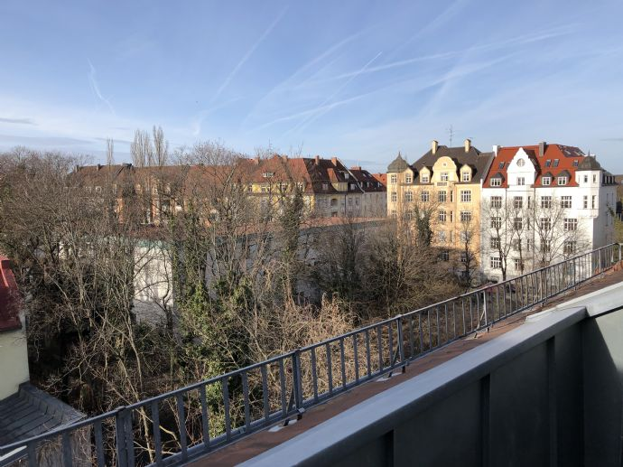 Möbliert 2,5 Zimmer Top Wohnung in Top Lage Schwabing