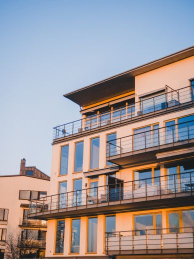 Mehrfamilienhaus mit 6 Wohneinheiten & 6 Stellplätzen