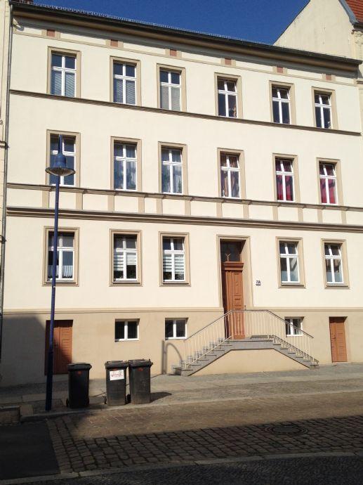 schöne 2 Raum DG-Wohnung in