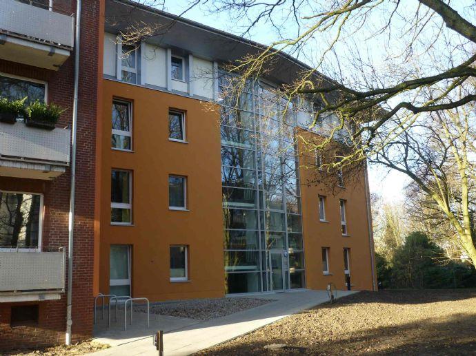 Niendorf Zentrum - Schöne 2 Zimmer Terrassenwohnung in grüner Lage