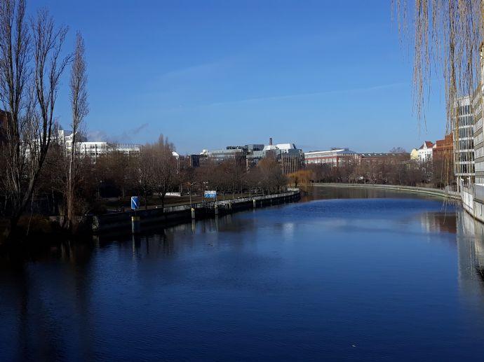 Ein Koffer in Berlin....Charlottenburg