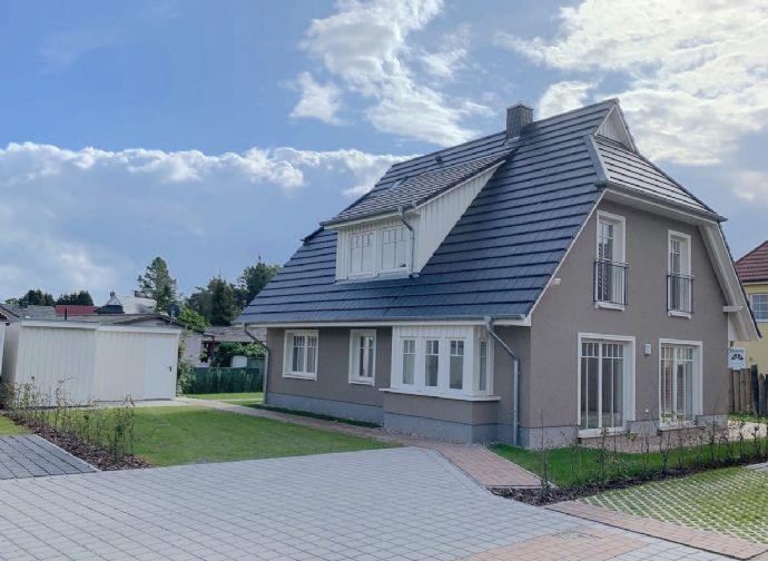 Extravagante 2 Fam. Villa mit großer Terrasse, Balkon & Kamin