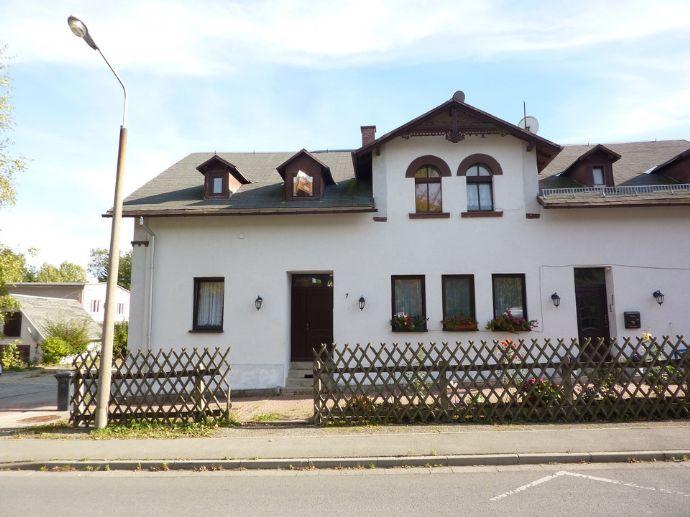 IDEAL - gemütliche Dachgeschoss Wohnung für Individualisten