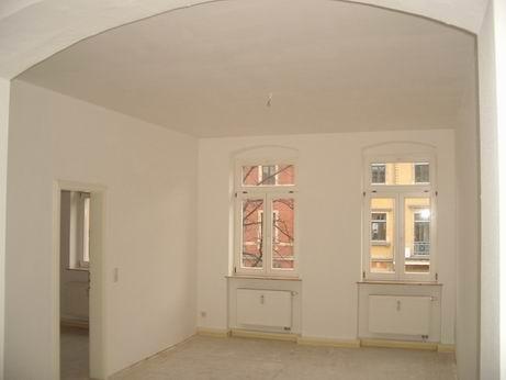 2- Zimmerwohnung in Uni-Nähe, sehr individuell mit offenem Küchenbereich