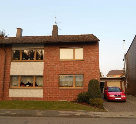 Luxuriöse und großzügige 3-Raum-Wohnung mit Terrasse und Garten in ruhiger Lage