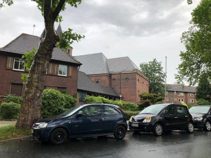 9-Fam.Haus mit 9 Garagen in Gelsenkirchen- Bismarck