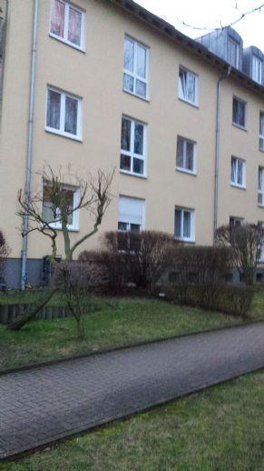 2- Raum - Wohnung mit Balkon in ruhiger , grüner Wohnanlage