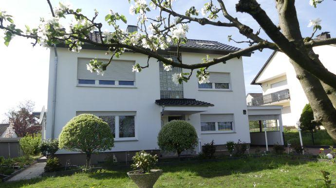 Top gepflegtes Mehrfamilienhaus in Detmold-Remmighausen zu verkaufen!! Ideal als Renditeobjekt!!