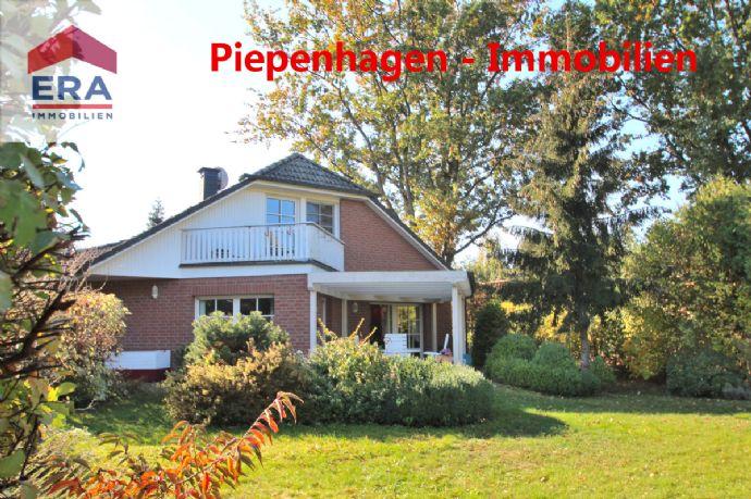RESERVIERT - Käuferprovisionsfrei! Neuwertiger Zustand - großes Grundstück - ruhige Lage - mehr geht nun wirklich nicht!