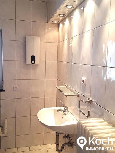 Renovierte 2-Zimmerwohnung im Zentrum von Baesweiler sofort frei, 2. Stockwerk!