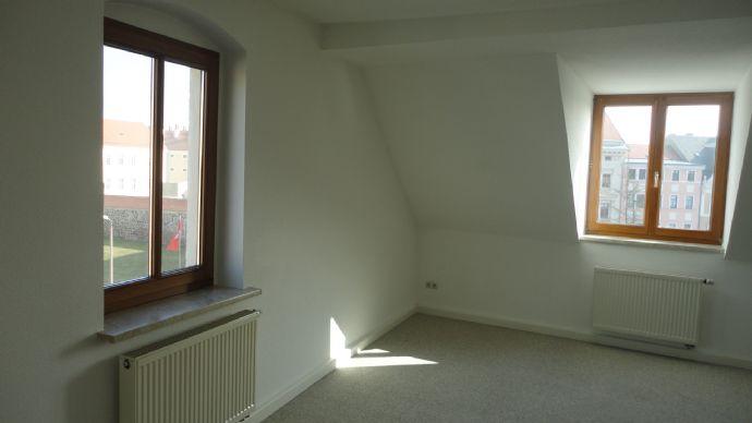moderne 2-Raum-Wng. im DG - teilweise möbliert
