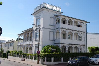 Villa Concordia mit großer Veranda, nur 50 Meter zum feinsandigen Binzer Strand