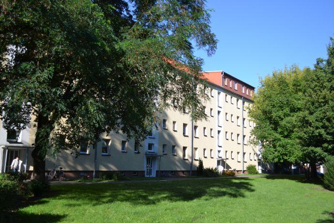 2-1/2 Zimmer mit Balkon in Knieper Nord