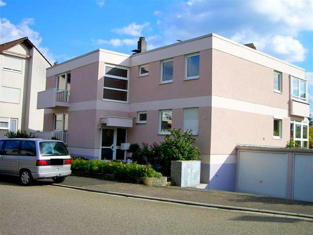 Freistehendes 3- Familienhaus mit Südwestgarten und Garagen auf der Hambacher Höhe (Neustadt a. d. Weinstr.)
