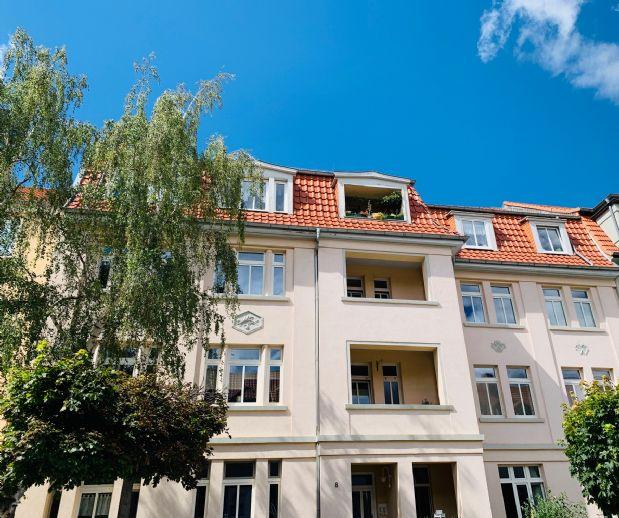 Malerviertel mit Carport - ruhige Straße! Wannen-/Duschbad, separate Küche und großer Balkon im 3. OG ....