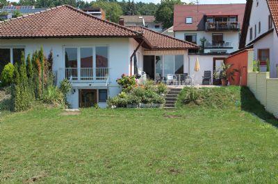 Casa Calvin: Helles Ferienhaus mit großem eigenen Garten, 70 m vom Bodensee, 200 m bis zum Strand, nahe Meersburg