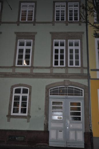 Wohnen in der Hirschstraße, mit Garten. Sehr gute Lage, ruhiges Haus, großzügige Räumlichkeiten.