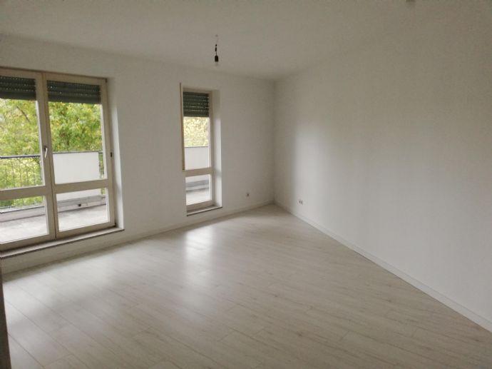 Oestrich-Winkel Helle Moderne 3-Zimmer-Wohnung mit Balkon