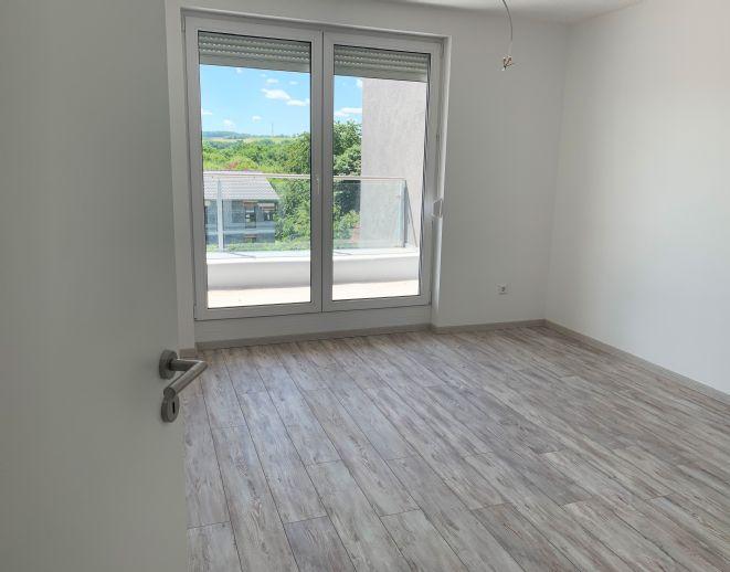 Moderne 3 - Zimmer Penthouse Wohnung in bester Wohnlage - von Privat.